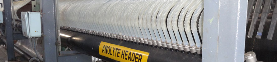 White tubes aligned forming a Chlor-Alkali electrolyzer reprensenting the Chlore-Alkali industry